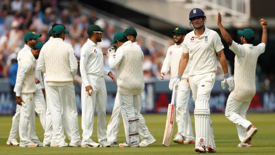 Pakistan beat England by Nine wickets in First Test