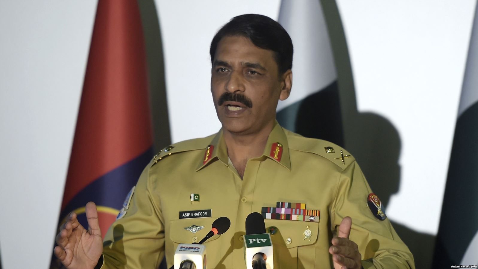 DG ISPR Says Sacrifices of Martyrs Should Be Honoured On Defence Day